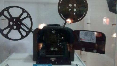 Projetor de cinema dos anos 1950   Foto: Camila Honorato