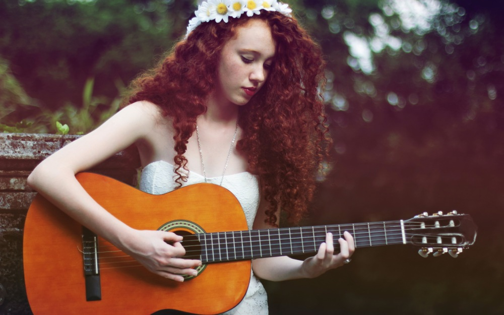 music-guitar-daisy-singer-photo-moment-girl-vintage-wallpaper