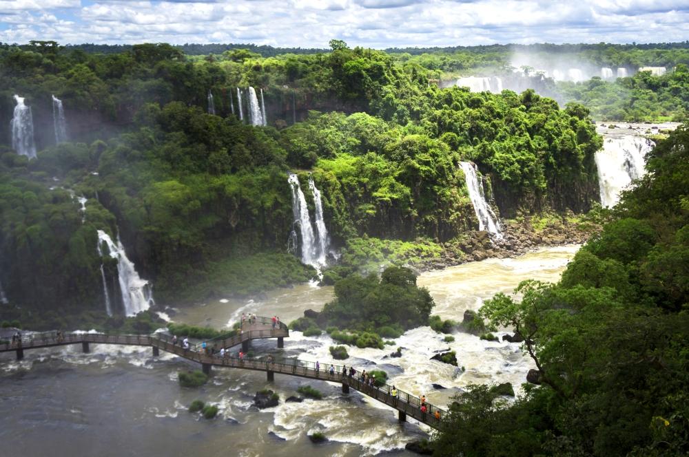 Parque Nacional do Iguaçu (PR), um dos cenários naturais do Brasil tombados pela Unesco | Crédito: Deni Williams/Flickr/Creative Commons