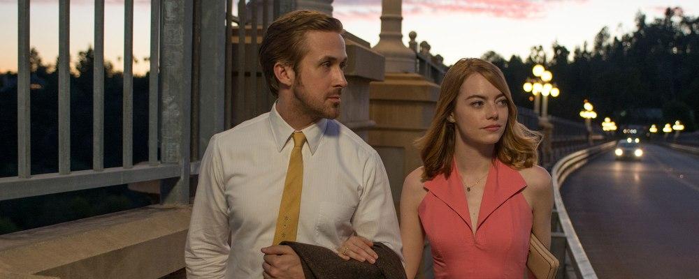 Ryan Gosling e Emma Stone estão bons nos papeis de Sebastian e Mia. Mas faltou gogó! | Crédito: Divulgação