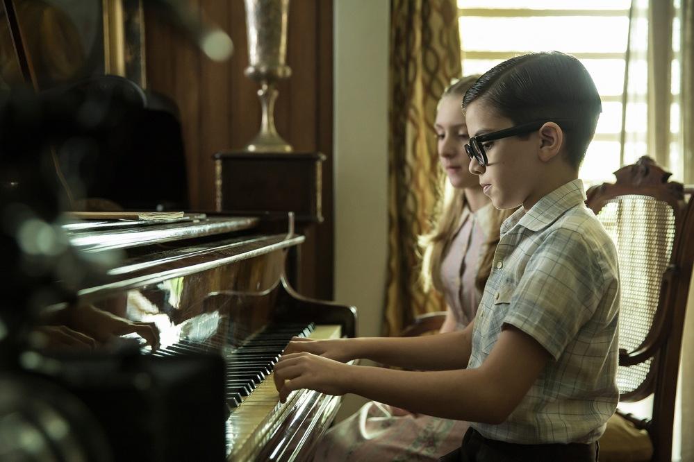 Davi Campolongo vive o maestro na primeira fase do filme | Crédito: Divulgação