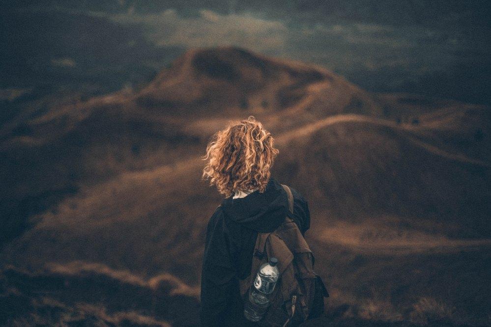 Manter distância e curtir a si mesmo é um dos melhores remédios | Crédito: Nik MacMillan/Unsplash