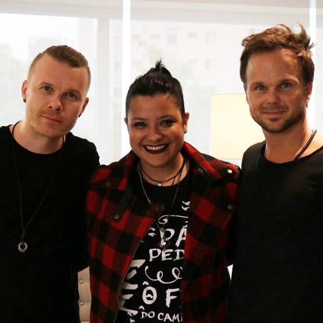 A felicidade da pessoa ao entrevistar dois músicos super receptivos e simpáticos | Crédito: Larissa Honorato | Querida Asquini