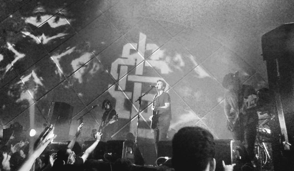 A recepção calorosa do show do Scalene em São Paulo reflete a ascensão da banda | Crédito: Camila Honorato